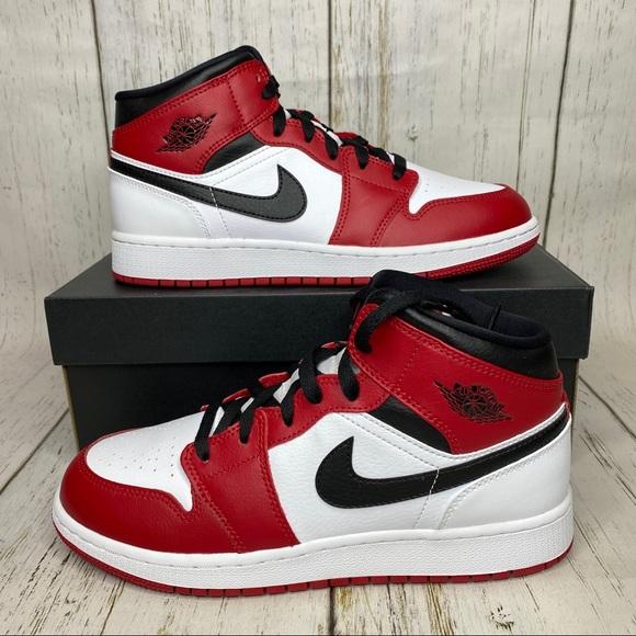 NEW Air Jordan mid Chicago white heel red black